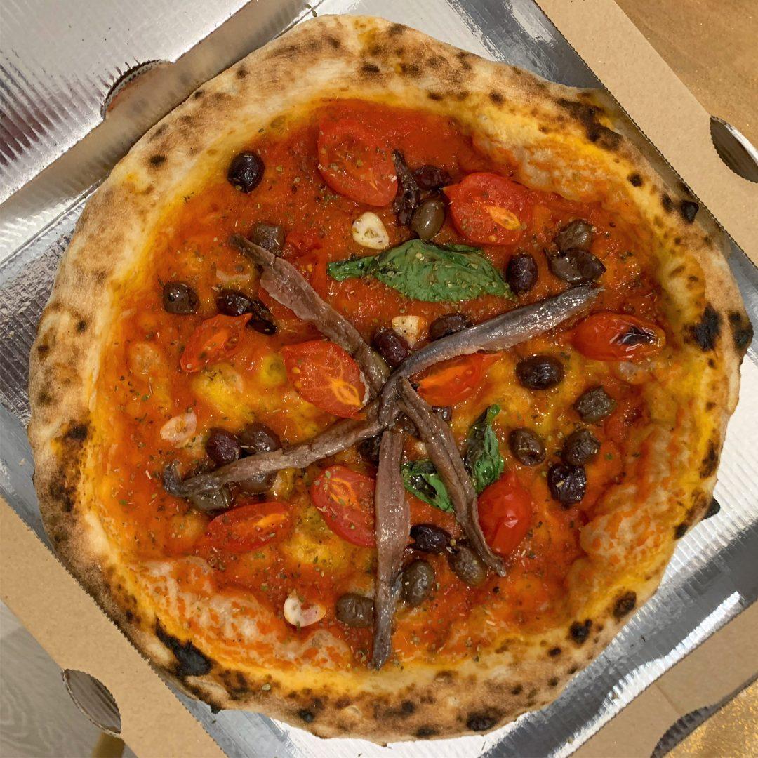 Marinara con acciughe, olive e capperi (Nascostoposto, Terni)