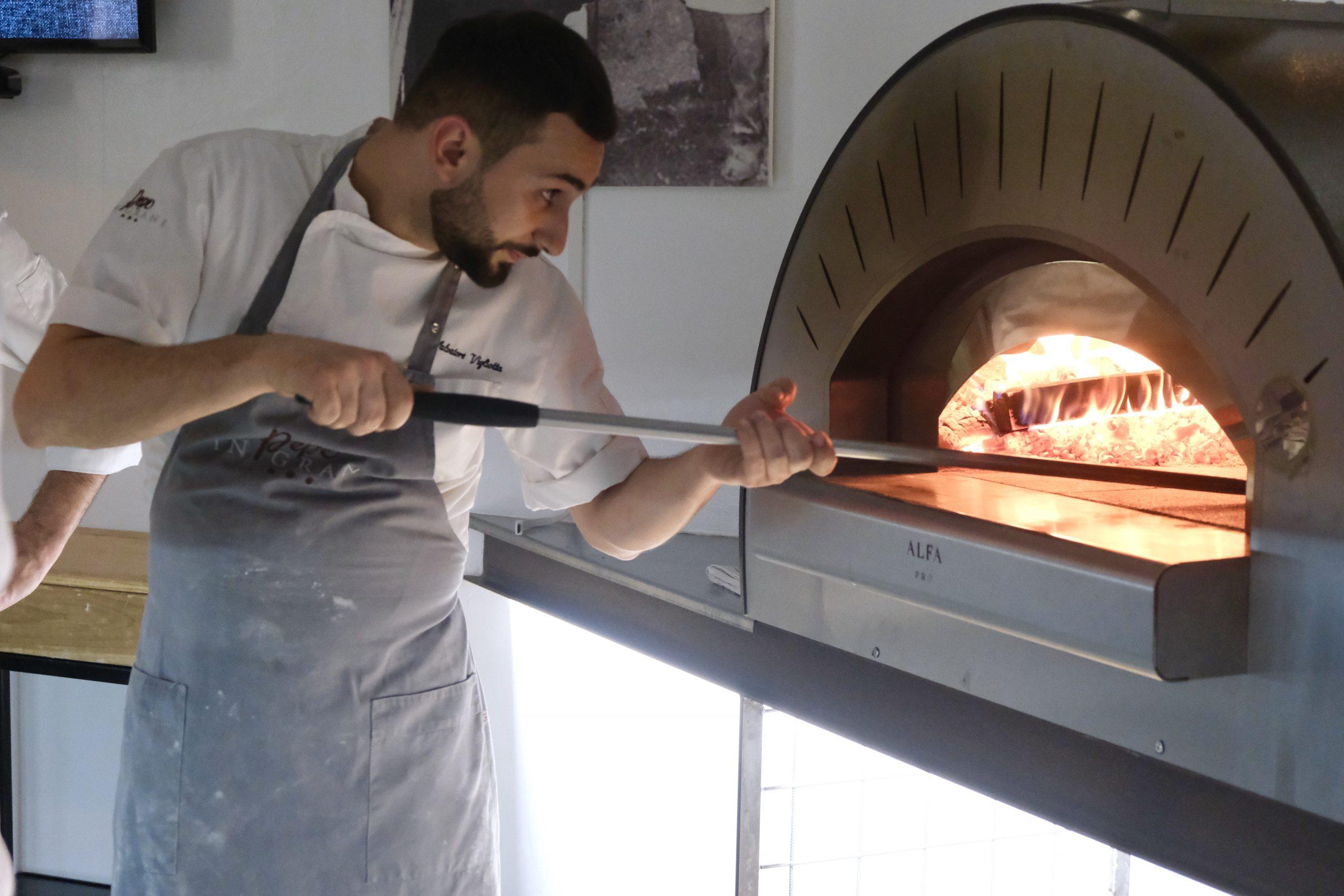 Salvatore Vigliotta al forno di Authentica Stellata