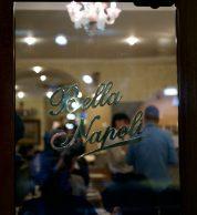 Porta di ingresso de Pizzeria Bella Napoli