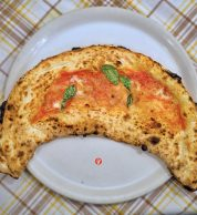 Ripieno / calzone con salame, ricotta e pepe (Pizzeria Bella Napoli)