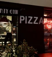 Ingresso pizzeria Dirty Gym Pizza