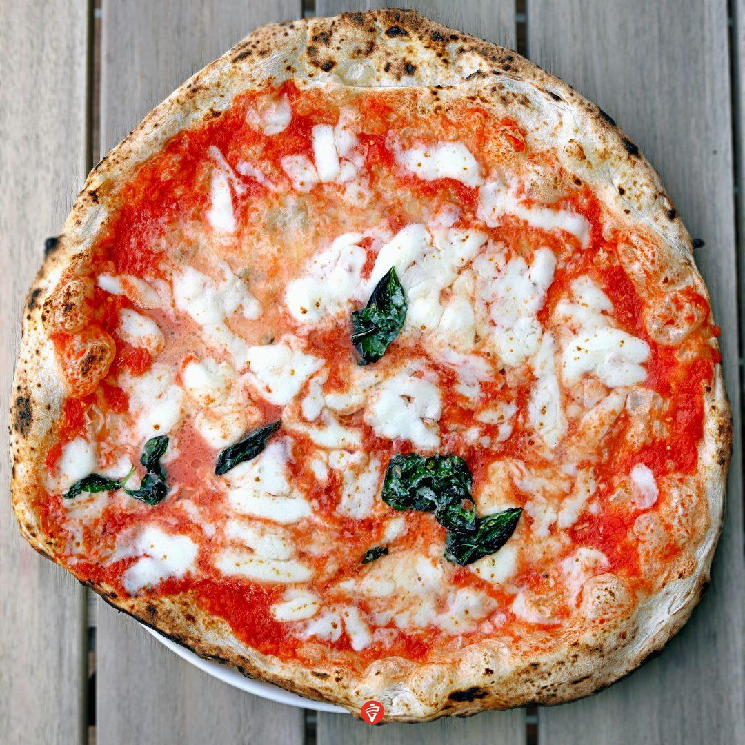 La Margherita doppia mozzarella (Da Michele Yokohama)
