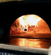 La fiamma del forno a legna (Da Michele Yokohama)