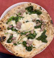 Salsiccia e Friarielli (Pizzeria De Stefano)