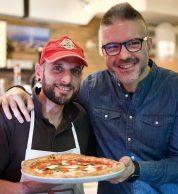 Antonio Fucito e Simone Sarnacchiaro, pizzaiolo de La Piccola Tavola Tokyo