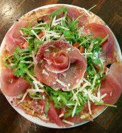 Pizza prosciutto e rucola (La Piccola Tavola Tokyo)