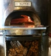 Forno a legna pizzeria i-rottah