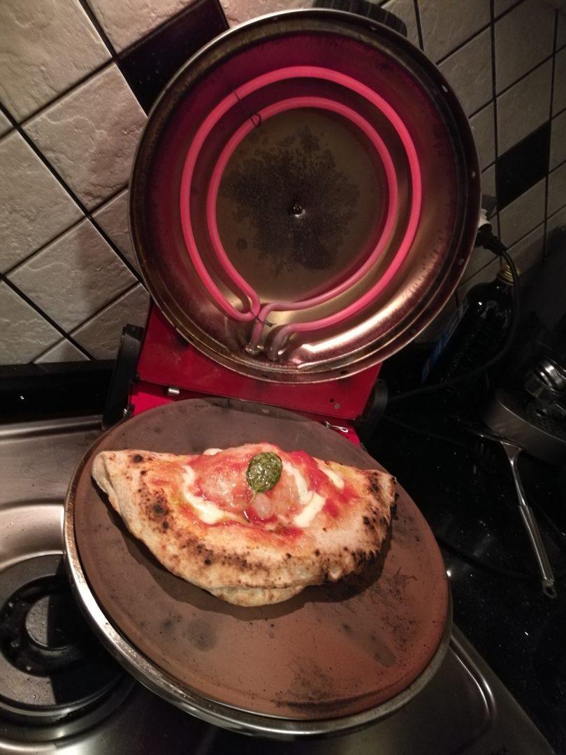 Pizza cotta in fornetto moddato.