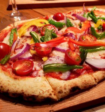 Pizza in Pala (ANTICA FORNERIA by ELIO)