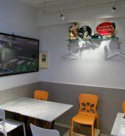 Sedute (pizzeria da GIORGIO Tokyo)