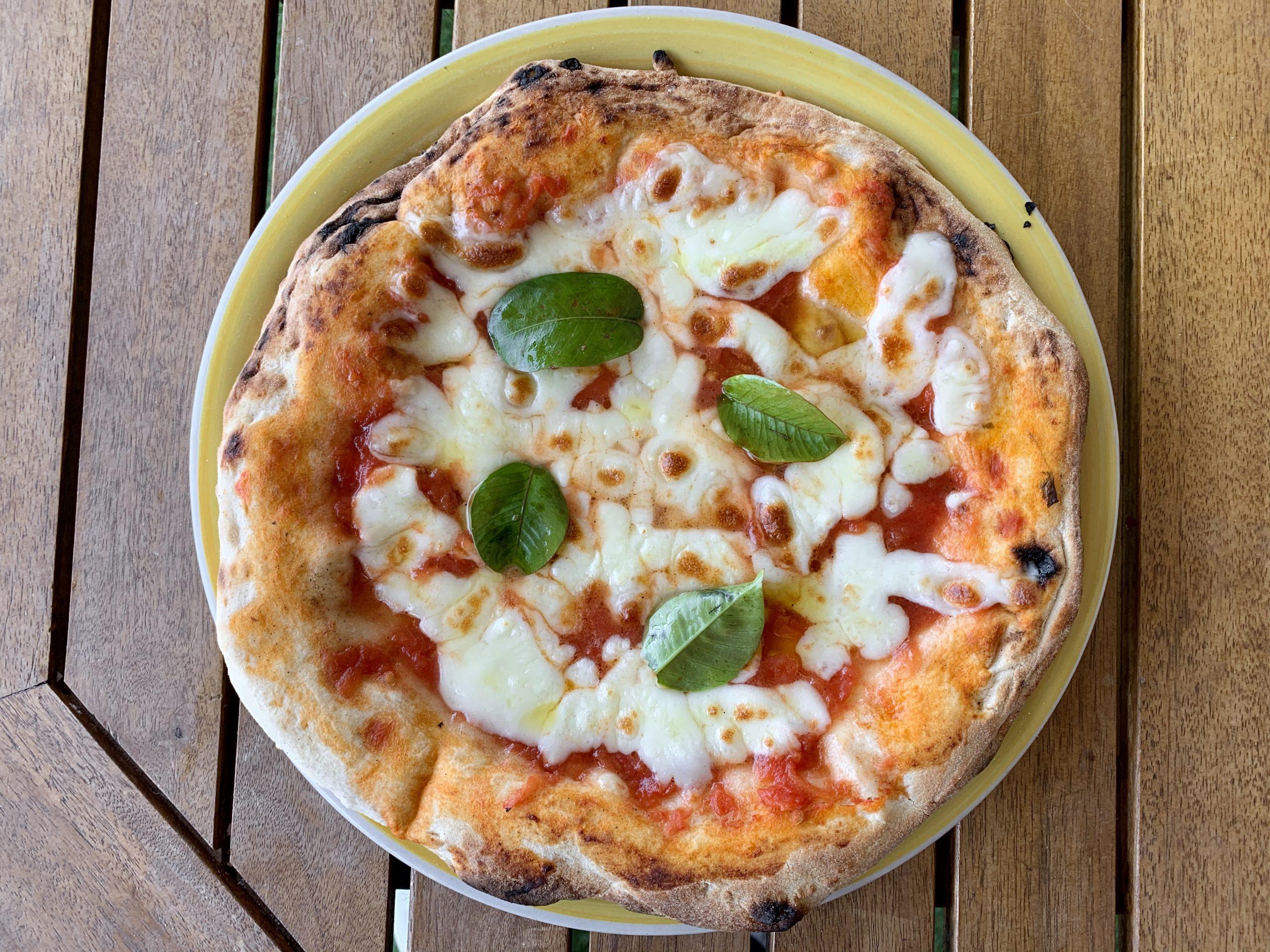 Pizza cotta in casa col kit primotaglio
