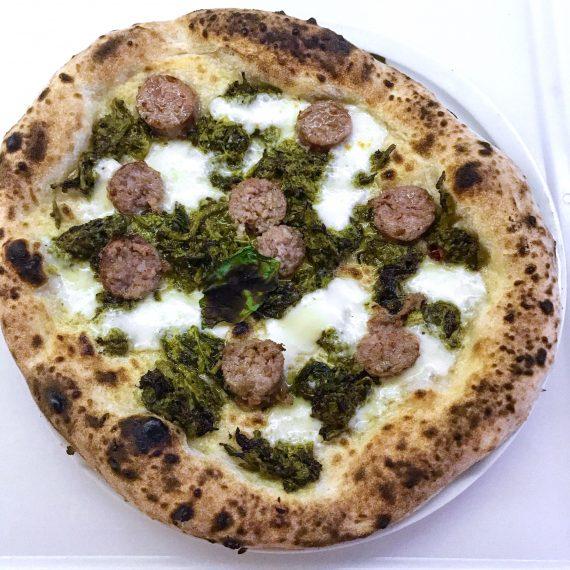 Pizza Salsiccia e Friarielli fatta in casa