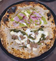 Donna Franca e Sazizza e Friarielli (Pizzeria I Belcastro, Trieste, Roma)