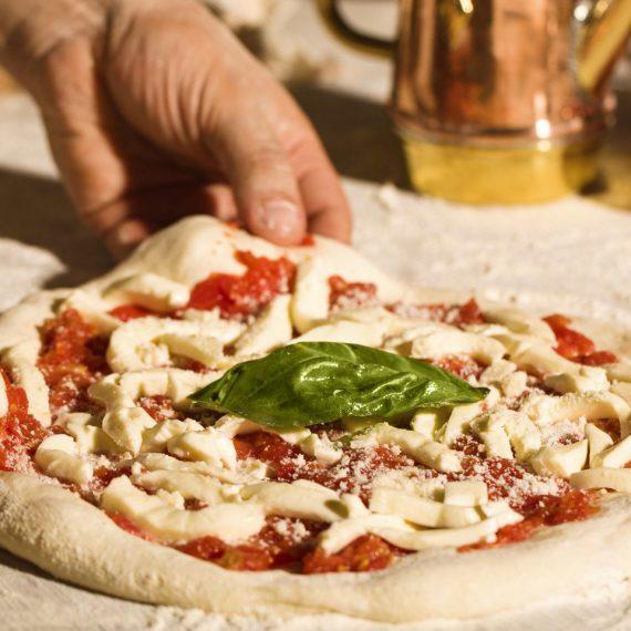 Ingredienti e calorie di una pizza da disciplinare