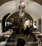 interno (Pizzeria Mimì, Ravello, Salerno)