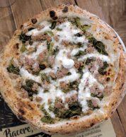 Salsiccia e friarielli (Pizzeria Piacere Totò, Perugia)