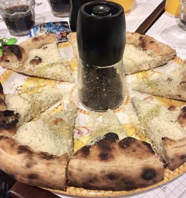 Pizza (Pizzeria Tonda, Monte Sacro (III), Roma)