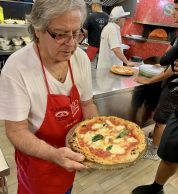 Business Insider (Pizzeria Starita a Materdei, Napoli)