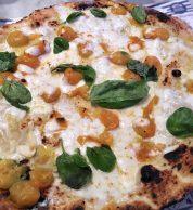 Margherita gialla (Gino Sorbillo Lievito Madre al Mare, Chiaia, Napoli)