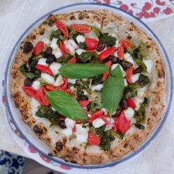 Pizza con scarole (Pizzeria Pizzium, Lima (M1) Repubblica (M3), Milano)