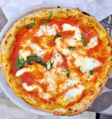 Margherita (Pizzeria Fratelli Cafasso, Fuorigrotta, Napoli)
