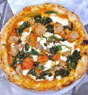 Salsiccia e friarielli (Pizzeria Fratelli Cafasso, Fuorigrotta, Napoli)