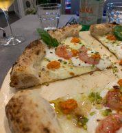 Dettaglio spicchio gamberetti (Pizzeria Pucci e Manella, Latina)