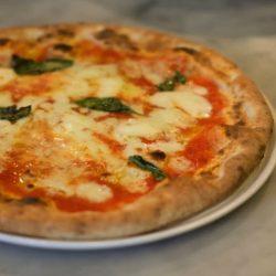 Pizza margherita (Pizzeria Al Camino, Kyoto)