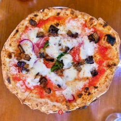 La calabrese, con melanzana e cipolla rossa (Pizzeria La Tripletta, Shinagawa, Tokyo)