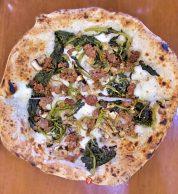 Salsiccia friarielli e funghi (Pizzeria La Tripletta, Shinagawa, Tokyo)