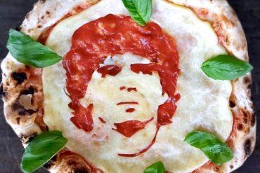 Pizza dedicata a Maradona