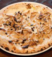 Pizza bianca (A16 Yokohama, Yokohama)
