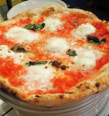 Pizza margherita (Pizzeria Il Forno D'oro, Kikuchi)