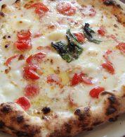 Pizza bianca (Pizzeria Il Forno D'oro, Kikuchi)