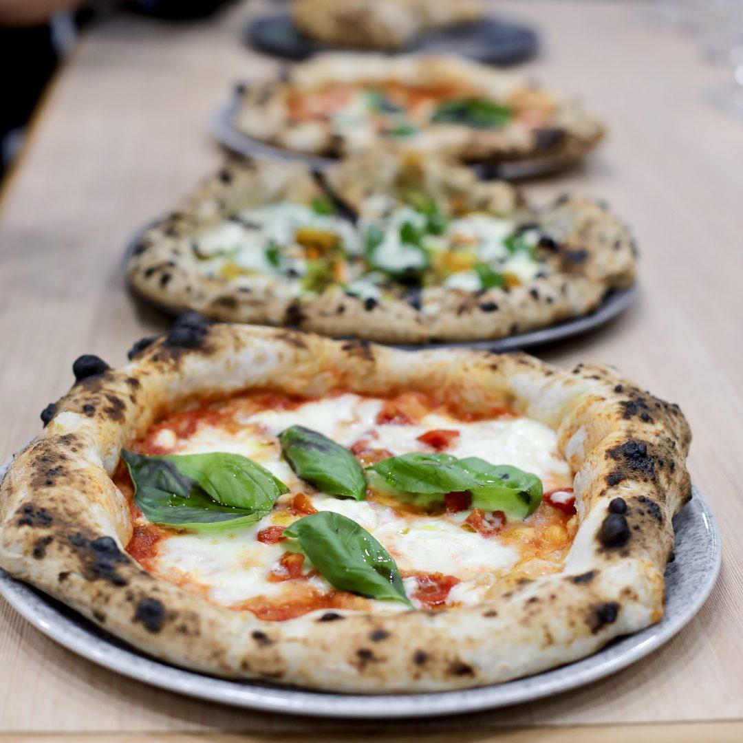 Mangiare una pizza con il doppio delle calorie