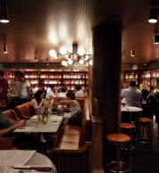 Interno (Pizzeria Popolare, Bourse, Parigi)