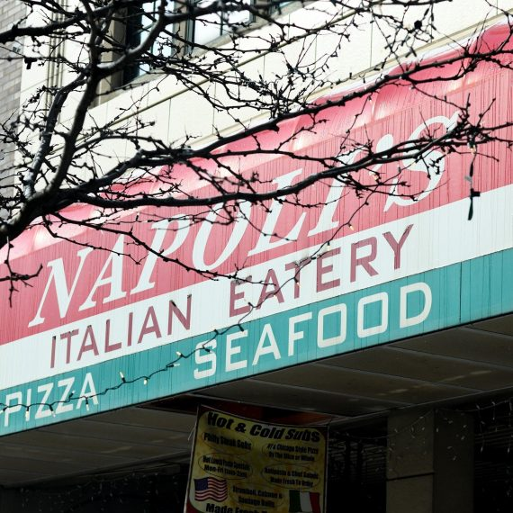 napoli's italian eatery