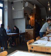 Interno (Pizzeria Sacro Cuore, Brent, Londra)