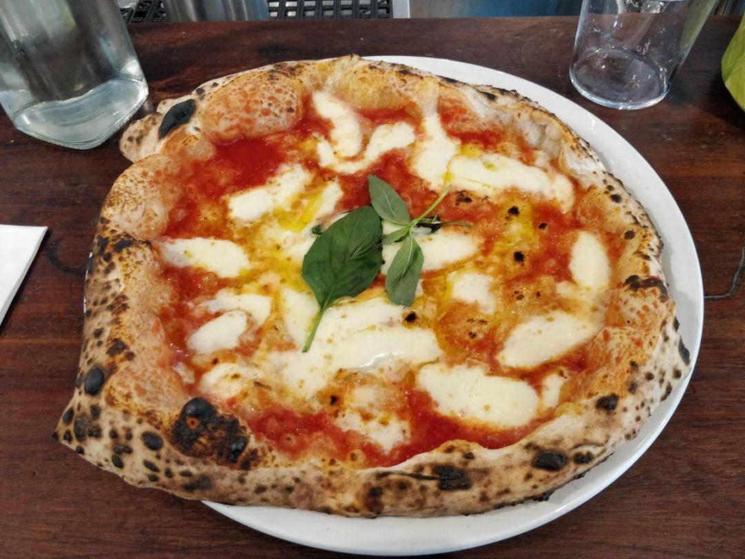 Pizza Margherita (Pizzeria Theo's, Southwark, Londra)