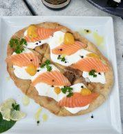 Pizza bianca con Salmone (Pizzeria Nama Sushi Pizza & Bollicine, Chianciano Terme)