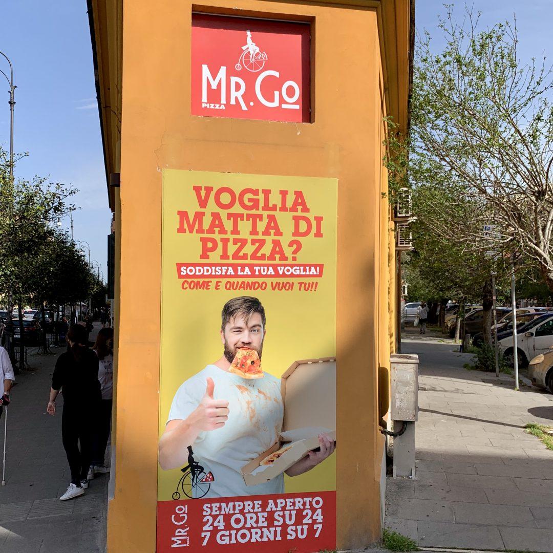 Pubblicità Distributore Pizza Roma Mr Go