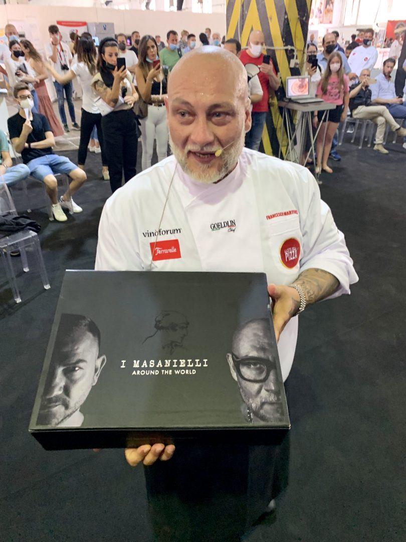 """Francesco Martucci presenta il Pizza Box """"Around the World"""""""