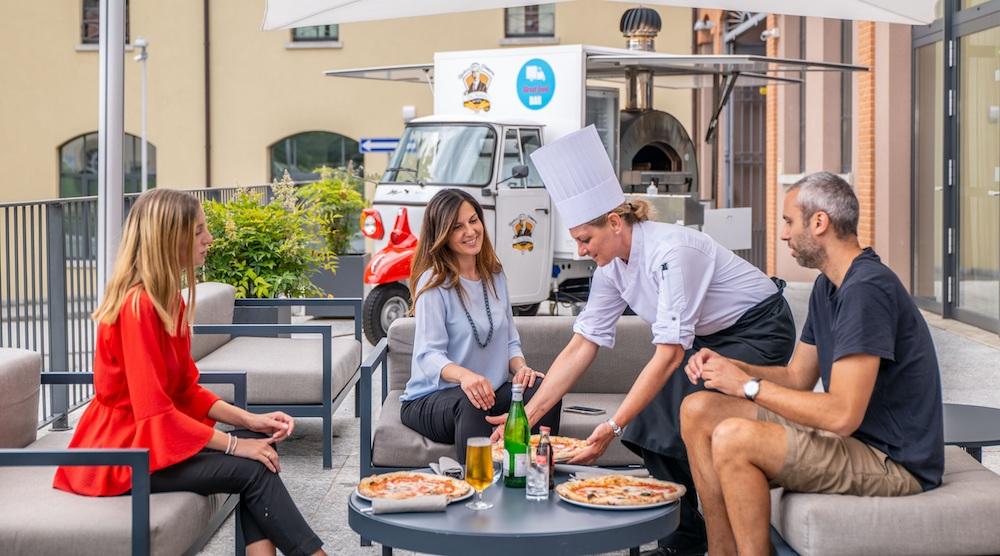 L'antica pizzeria da Michele Hilton Como 2