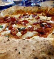 Dettaglio pizza 2 (Sophia Loren Original Italian Food)