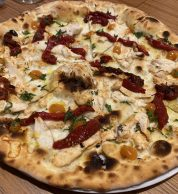 Pizza Pollo peperoni (180grammi, Prenestino, Roma)